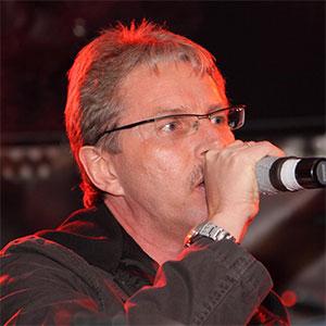 Karl-Heinz von Dr. Music - Gitarre und Vocals